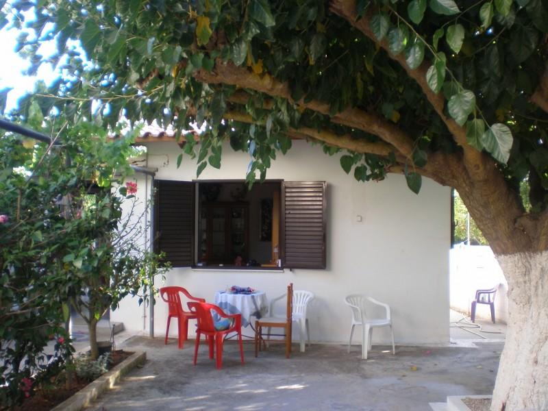 Μονοκατοικια Στη Μαραθοπολη Μεσσηνιας
