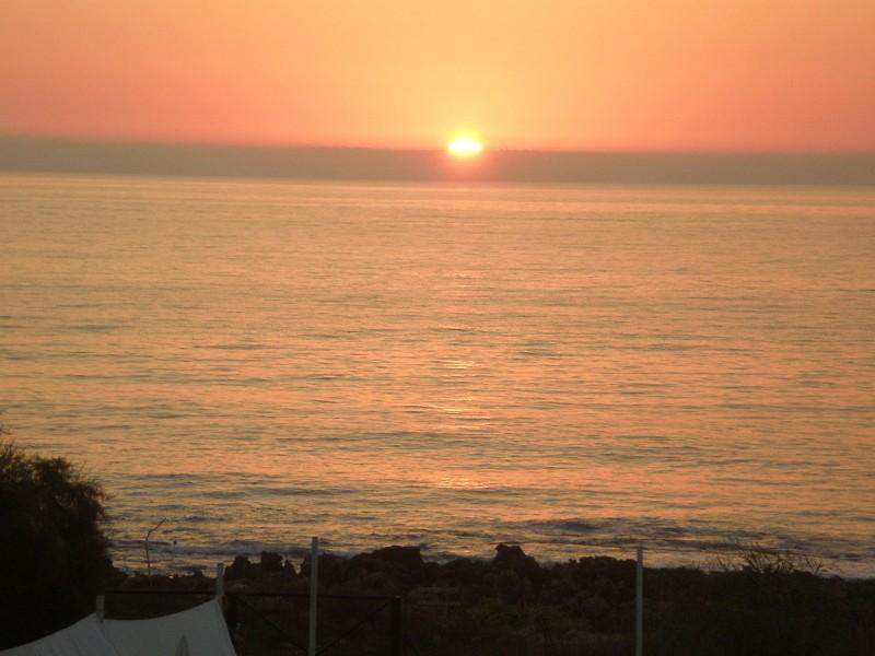 βίλα με πισίνα πάνω στη θάλασσα(ΝΕΑ ΜΕΙΩΜΕΝΗ ΤΙΜΗ)