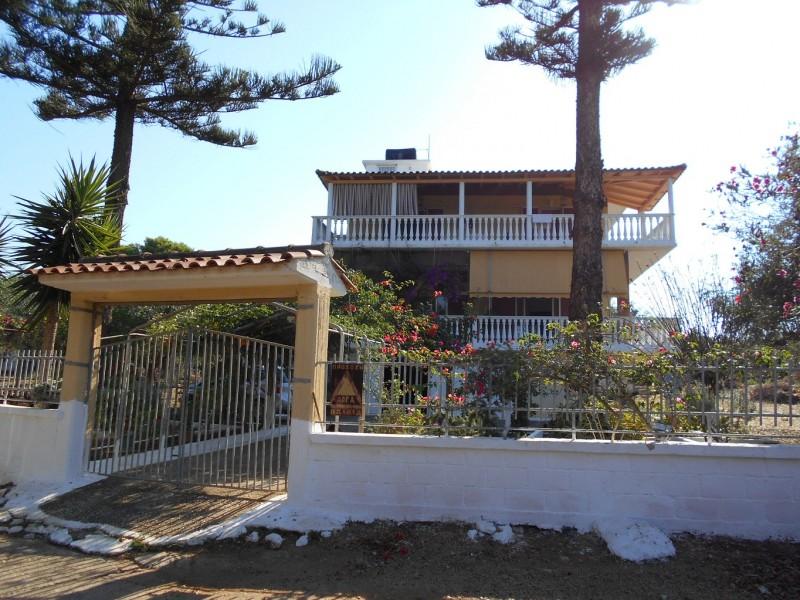 Οικόπεδο με διώροφη οικία στην Μαραθόπολη Γαργαλιάνων