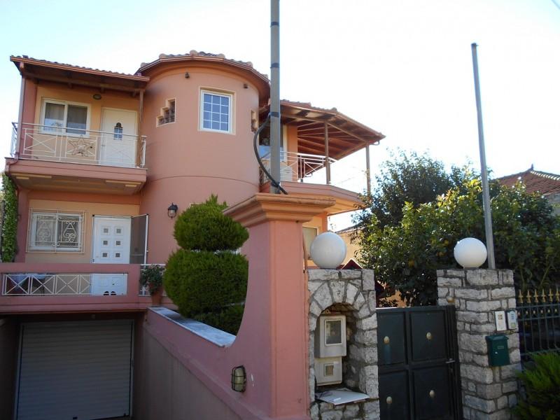 Μοντέρνα  Μονοκατοικία Με θέα Στη Χώρα  Πύλου Νέστορος