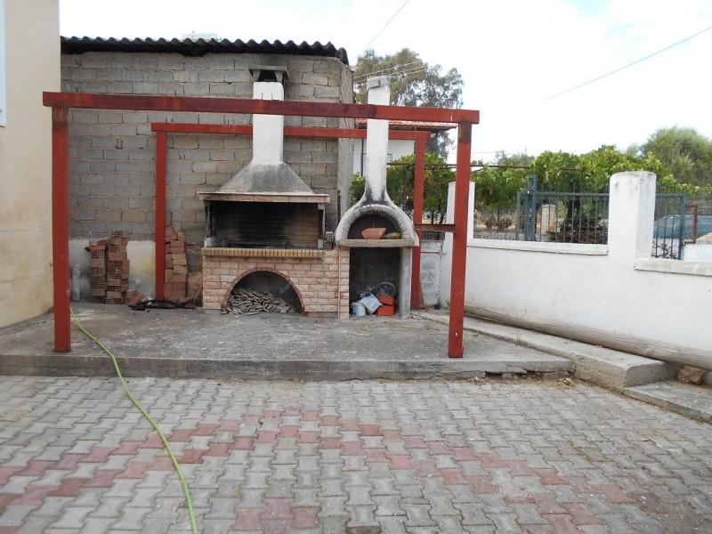 Μονοκατοικία  Στη  Τραγάνα -Τρυφιλίας