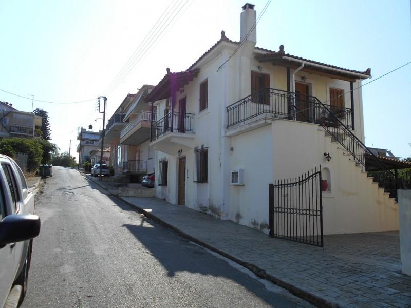 Δυοροφη Οικοδομη Με 2 Κατοικίες Στους Γαργαλιάνους