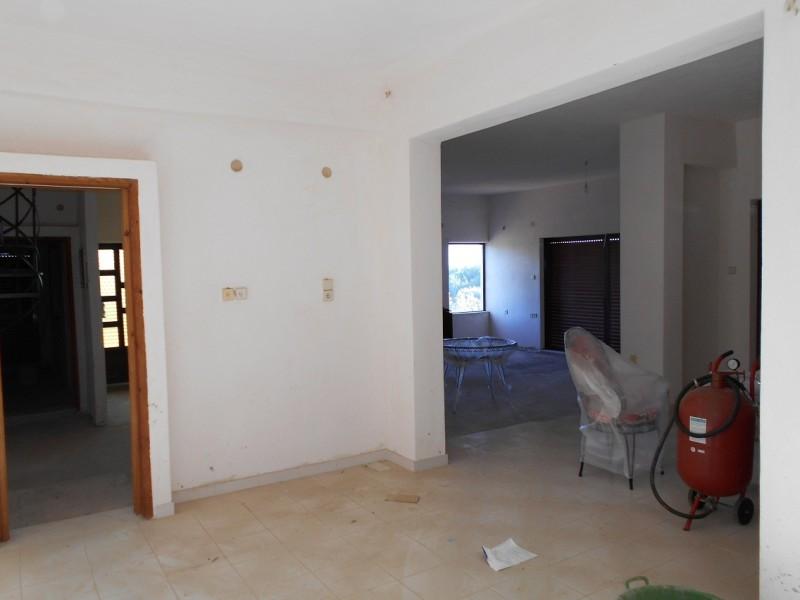 Εξοχική κατοικία 200μ² επάνω στο κύμα