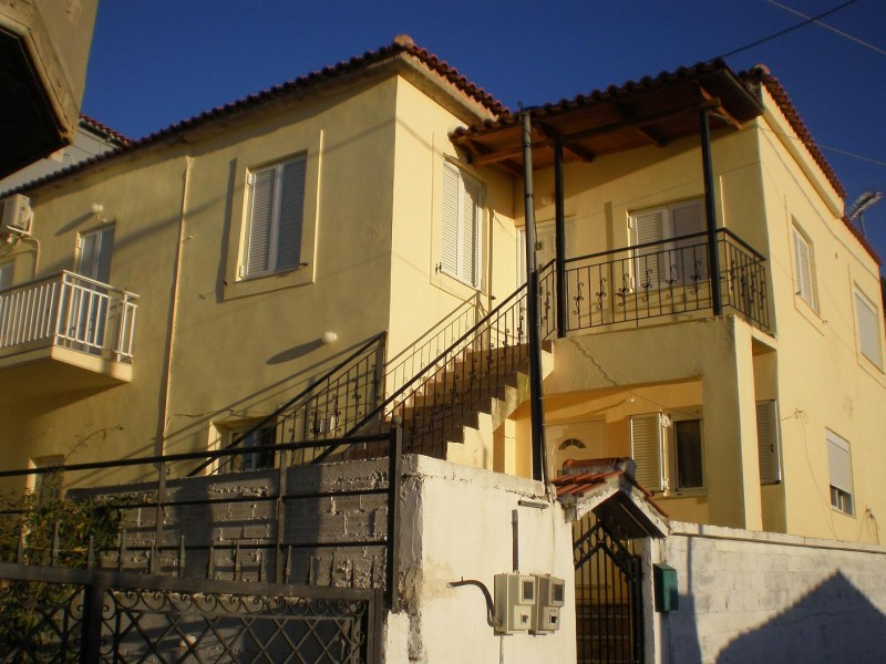 Διώροφη μονοκατοικία 90μ² ανα όροφο στην πόλη Γαργαλιάνοι